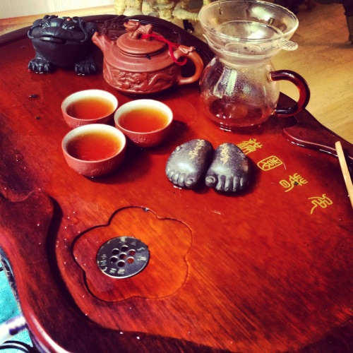 This is the priceless tea set given to me by precious friends in Xiwei right before I left in July.